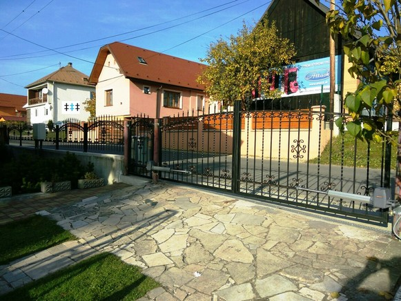 Kovaná brána 12