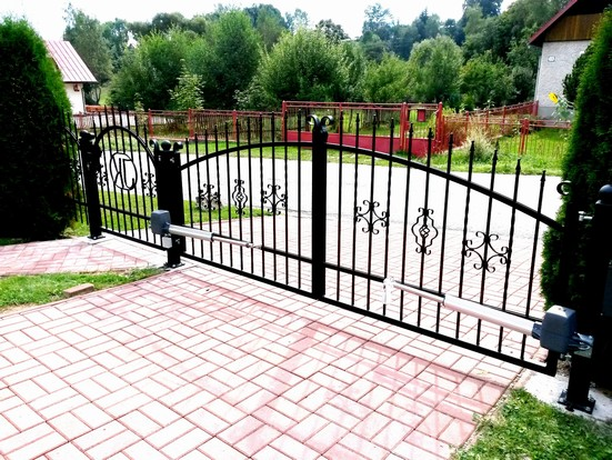 Kovaná brána 4