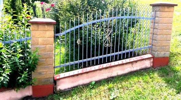 Kovaný plot 22